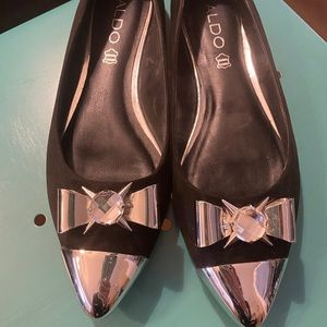 Black suede pointy flats *NWOT